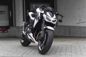 Kawasaki-Z1000-Special-White-Hoely_0001.jpg