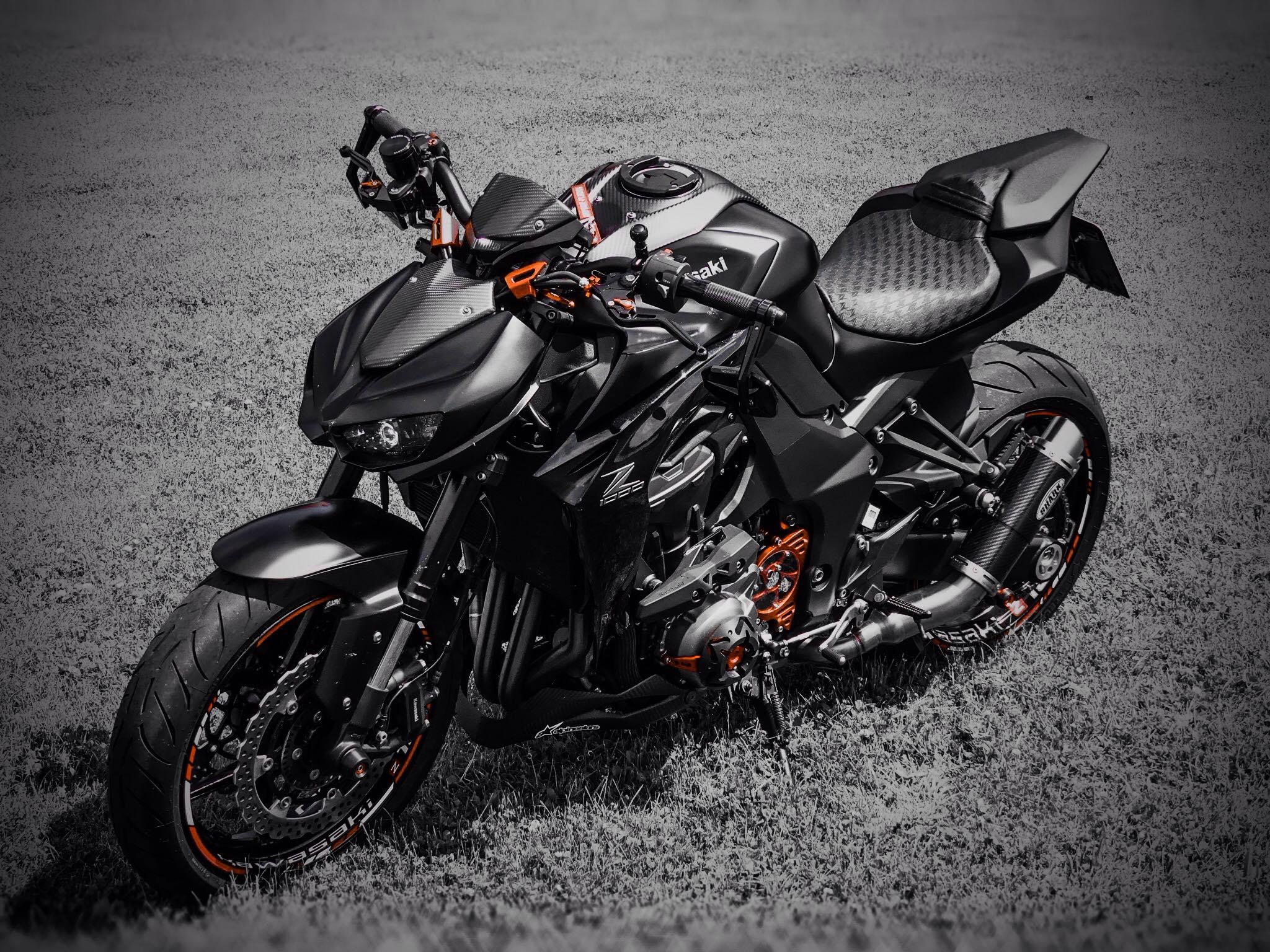 Kawasaki Z1000 Teile abzugeben